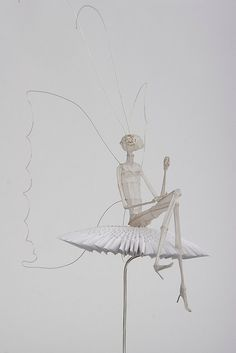 and Paper Sculpture: Psyche I love the beyond the beyond. Wire and Paper Sculpture: PsycheI love the beyond the beyond. Wire and Paper Sculpture: Psyche Paper Clay, Paper Art, Paper Crafts, Architecture Origami, Art Origami, Atelier D Art, 3d Studio, Mythological Creatures, Wire Art