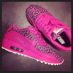 ♥so cute! i think this will be my next pair for the gym!