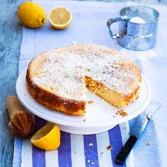 Syrligt krämig citron- & mandelkaka