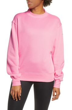 Shop a great selection of Alo Freestyle Mock Neck Sweatshirt. Find new offer and Similar products for Alo Freestyle Mock Neck Sweatshirt. Cut Sweatshirts, Sweatshirts Online, Yoga Fashion, Fashion Women, Stella Mccartney Adidas, Mock Neck, Stylish Outfits, Lounge Wear, Long Sleeve Tops