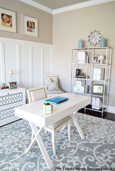 You won't mind getting work done with a home office like one of these. See these 20 inspiring photos for the best decorating and office design ideas for your home office, office furniture, home office ideas Home Office Space, Ikea Home, Beautiful Office, Home, Interior, Home Office Furniture, Home Office Design, Office Design, Ikea Home Office