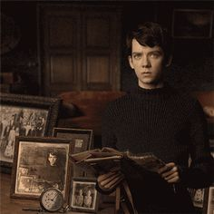 GIFs can be creepy, too.Miss Peregrine's Home for Peculiar Children comes out Sept. 30, 2016.