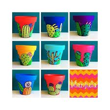Resultado de imagen para manjula macetas Clay Pot Crafts, Fun Crafts, Diy And Crafts, Painted Clay Pots, Painted Flower Pots, Cactus Pot, Cactus Planters, Terracotta Plant Pots, Flower Pot Design