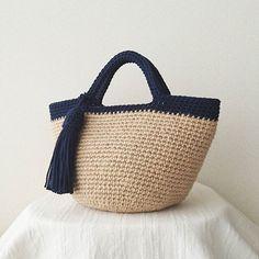 持ち手カラーの麻ひもバッグ  オーダーバッグ完成しました✨  ありがとうございました☺  #麻ひも#麻ひもバッグ#バッグ#かごバッグ#ハンドメイド#かぎ針編み#crochet#minne#麻紐バッグ#麻紐#ナチュラルコーデ