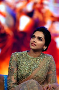 Zardozi Embroidery Inspired Blouse won by Deepika Padukone