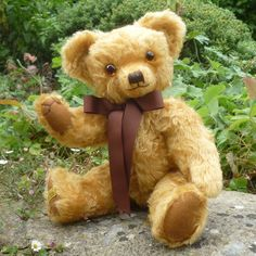 Witney Exclusive The Merrythought Bear