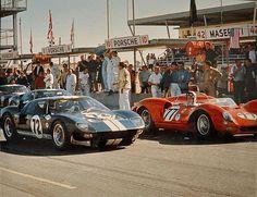 Daytona 1965 - NART Ferrari 330 P2 - John Surtees/Rodriguez