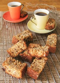 Traditionally South African rusks are full of sugar and fat. To turn them into the perfect breakfast snack I came up with a delicious healthy rusks recipe. Kos, Low Carb Recipes, Baking Recipes, Dessert Recipes, Pudding Recipes, Diabetic Recipes, Snack Recipes, Healthy Recipes, Buttermilk Rusks