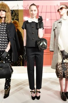Kate Spade at New York Fashion Week Fall 2014 - Philiss - Verano para mujeres London Fashion Weeks, Kate Spade Outlet, Fashion Show, Fashion Looks, Fashion 2014, Fashion Styles, York, Autumn Winter Fashion, Fall Fashion