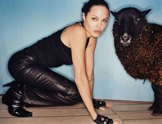 """Angelina Jolie photographed by David LaChapelle - 2001 "" David Lachapelle, Le Vatican, Leather And Lace, Leather Pants, Angelina Jolie Fotos, Ideas Para Photoshoot, Hottest Photos, Rolling Stones, Beautiful People"