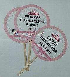 Zehra nisa nın 6 ay kınası dağıtmaĺık hediyeleriMAŞALLAH ☺ BİLGİ VE SİPARİŞ İÇİN BİZE WHATSAPP 05532341453 NUMARASINDAN ULAŞABİLİRSİNİZ #partivagonu #partisüsü #party #parti #doğumgünüpartisi #doğumgünü #düğündernek #düğünhediyelikleri #düğün #kına #kınaorganizasyonu #kınahediyelikleri #nişan #çikolata #kampanya #özelbaskılıçikolata #çiko #tasarım#etiket #logo #logotasarım #6aykınası #konuşmabalonu #instaparty