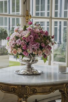 Today's Friday Finds are beautiful floral arrangements you can use to freshen up your home. I love using unique vases to make every arrangement more personal. Have a fabulous weekend! Beautiful Flower Arrangements, Floral Arrangements, Fresh Flowers, Beautiful Flowers, Floral Centerpieces, Tall Centerpiece, Wedding Centerpieces, Rose Cottage, Elegant Homes