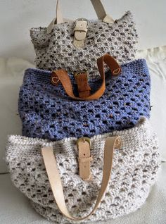 I'd rather with a zip than a buckle. Crochet Tote, Crochet Handbags, Crochet Purses, Love Crochet, Diy Crochet, Diy Tote Bag, Craft Bags, Knitted Bags, Crochet Accessories