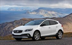 Volvo unveiled the V40 Cross Country with the Drive-E powertrain at the 2014 Paris Auto Show. The 2014 V40 Cross Country delivers 245 hp of max power and 350 Nm of peak torque with turbo T5 petrol engine.