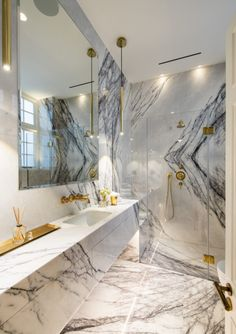 Mount Street Apartment - Violetta Marble with gold taps, pen. Wetherell Mount Street Apartment - Violetta Marble with gold taps, pen. Black Marble Bathroom, Marble Bathroom Accessories, Contemporary Bathroom Designs, Bathroom Design Luxury, Dream Bathrooms, Beautiful Bathrooms, Luxury Bathrooms, Home Remodeling, House Design