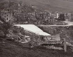 Gibellina, resti del terremoto del '68 e l'inizio dei lavori del Cretto di Burri, anni '80