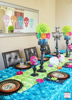 Day of the Dead Halloween Party. Holidays Halloween, Halloween Themes, Halloween Decorations, Halloween Party, Mexican Halloween, Diy Day Of The Dead, Day Of The Dead Party, Monster High Birthday, Monster High Party