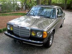 Mercedes Benz 300 D - Then I had one similar to this. For less than a month. Used Mercedes, Mercedes Benz 300, Classic Mercedes, Mercedez Benz, Maybach, Level 3, Dream Garage, Motor Car, Dream Cars