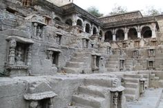 Bhavnagar Photos - Pic 2003 The detailed carvings inside the Brahma Kund...