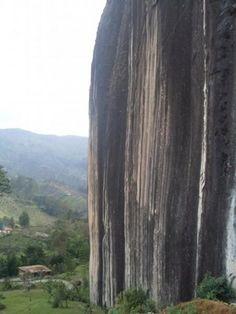 Colombia, La piedra del Peñol