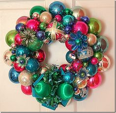 DIY Vintage Christmas Ornament Wreaths... I have been wanting to make one of these for yearsss!