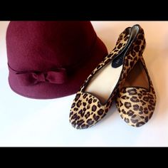 Burgundy Wool Bow Winter Fashion Hat Adorable wool hat by Trixie. 100% wool. Excellent condition! Trixie Accessories Hats
