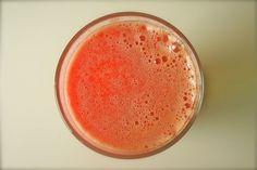 Suco combinado para combater o excesso de ácido úrico - http://comosefaz.eu/suco-combinado-para-combater-o-excesso-de-acido-urico/
