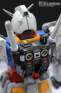 PG Gundam - Customized Build Modeled by ghost Gundam Tutorial, Gundam Toys, Gundam Wallpapers, Gundam Mobile Suit, Gundam Custom Build, Sci Fi Models, Gunpla Custom, Robot Design, Gundam Model