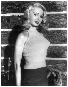 Betty Brosmer poses in her bra and girdle | Betty l ...