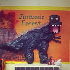 My Dinosaur display Dinosaur Display, Walking With Dinosaurs, Dinosaurs Preschool, School Displays, Book Corners, Role Play, Display Ideas, Teacher Resources, Bulletin Boards