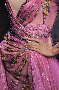 John Galliano for Christian Dior Fall Winter Haute Couture Elie Saab Couture, Dior Haute Couture, Christian Dior, Linda Evangelista, John Galliano, Runway Fashion, High Fashion, Womens Fashion, Fashion Fashion