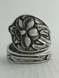 Size 7.5 Vintage Sterling Silver Daffodil Spoon Ring by NotSoFlatware on Etsy https://www.etsy.com/listing/179416705/size-75-vintage-sterling-silver-daffodil