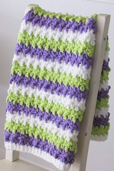 This free crochet baby blanket pattern is a super quick pattern perfect for beginners. This chunky afghan is easy and can be worked in just 3.5 hours. You can make it for your baby or as a throw for your home. #corchetblanket, #freecrochetblanket, #easycrochetblanket, #crochet Crochet Baby Blanket Free Pattern, Crochet Slipper Pattern, Easy Crochet Blanket, Baby Afghan Crochet, Afghan Crochet Patterns, Baby Afghans, Crochet Slippers, Crochet Blankets, Crotchet Patterns