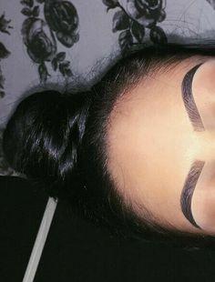 Look at those brows! good eyebrow shapes different eyebrow shapes perfect brows makeup perfect brows Makeup Goals, Love Makeup, Makeup Inspo, Makeup Inspiration, Makeup Tips, Beauty Makeup, Eyebrow Game, Eyebrow Makeup, Skin Makeup
