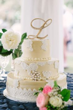 Trend We Love: Lace Details In Wedding Cakes