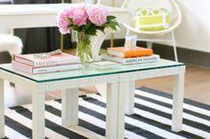 """Mit diesen 10 Ikea Hacks können Sie Ihren """"Lack"""" Tisch ganz einfach umfunktionieren"""