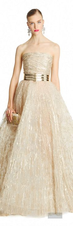 Oscar de la Renta #fashion #runway #couture