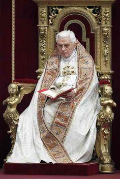Pope Emeritus Benedict  <3