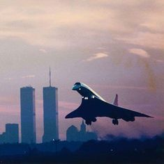 Concorde in NYC 1990 : Today, relics of the Concorde & World Trade Centres (9/11) exist in museums only!!
