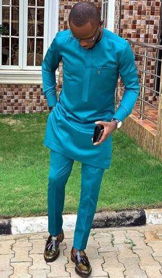 Cette usure est faite à partir dun tissu de qualité, adapté à toutes les occasions. Cet élégant costume africain pour hommes est conçu de façon unique pour vous démarquer parmi dautres en toutes occasions.  Nos articles sont faits avec des tissus de grande qualité ; Grandes techniques de couture et