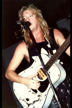 Jani Lane of Warrant