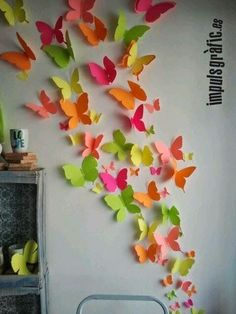 Discover thousands of images about Paper Butterfly wall art. Butterfly Wall Art, Paper Butterflies, Butterfly Crafts, Paper Flowers Diy, Butterfly Mobile, School Decorations, Paper Decorations, Art Mural Papillon, Origami