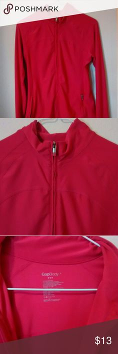 Gap fit work out Gap workout shirt size small, great condition GAP Tops Sweatshirts & Hoodies