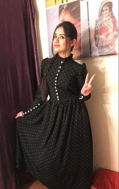 Indian Gowns Dresses, Indian Fashion Dresses, Indian Designer Outfits, Girls Fashion Clothes, Muslim Fashion, Designer Dresses, Clothes For Women, Stylish Dresses For Girls, Stylish Dress Designs