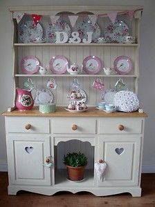 How To Paint Shabby Chic Furniture Uk : Annie Sloan on Pinterest  Annie Sloan, Kitchen Dresser and Welsh ...