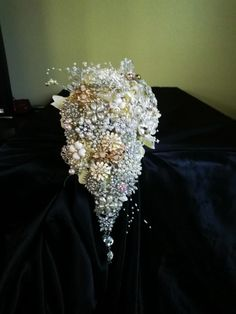 One of my most popular Bouquets! So beautiful and unique! Wow your guests when you walk down the aisle with this gorgeous bouquet! Perfect Wedding, Our Wedding, Dream Wedding, Fall Wedding, Wedding Bells, Wedding Flowers, Wedding Brooch Bouquets, Just In Case, Wedding Styles