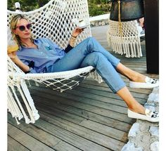 Vogue Paris, Mom Jeans, English, Denim, Pants, Fashion, Trouser Pants, Moda, Fashion Styles