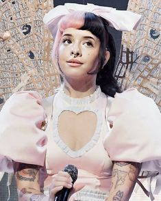 Melanie Martinez with a super cute dress and bow Melanie Martinez Pictures, Melanie Martinez Drawings, Crybaby Melanie Martinez, Melanie Martinez Dress, Divas, Cry Baby, Celebrity Crush, Music Artists, Adele