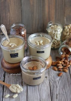 Homemade peanut, almond and cashew butter. Delicious and easy to make. (recipe in Portuguese and English) Nut Recipes, Cheese Recipes, Gluten Free Recipes, Low Carb Recipes, Vegetarian Recipes, Healthy Recipes, Vegan Sauces, Vegan Foods, Picnic Snacks