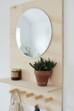 This DIY Wall-Mounted Organizer Is a Smart Solution to Solving a Messy Entryway Plywood Projects, Furniture Projects, Home Projects, Home Crafts, Home Furniture, Diy Home Decor, Furniture Design, Arranging Bedroom Furniture, Automotive Furniture